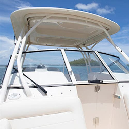 Small leisure boat